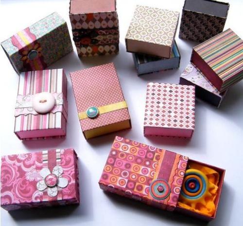 Decorar cajas de madera con papel Manualidades de reciclaje