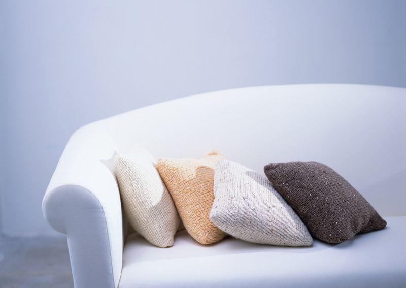 Consejos para decorar una habitaci n en invierno - Cojines de lana ...